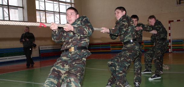 Соревнования «А ну-ка, парни!» в Печоре, посвященные Дню защитника Отечества