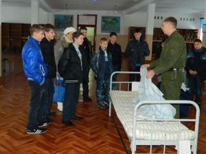 Один день в армии для воспитанников печорского детского дома №17