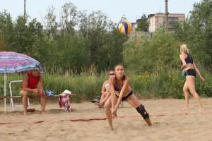 Турнир по пляжному волейболу на печорском пляже