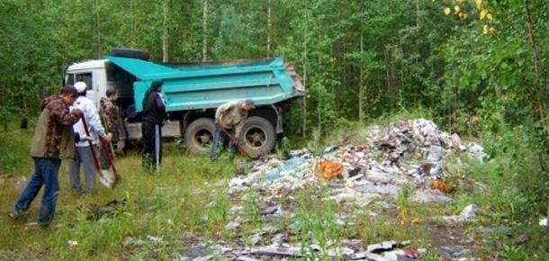 Работники Печорской природоохранной межрайонной прокуратуры приняли участие в акции «Живи, лес!»