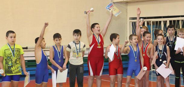 Кубок турнира по вольной борьбе остался в Печоре