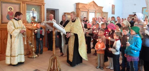 В печорском храме прошло благословение на начало учения