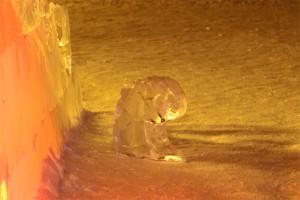 В Печоре в очередной раз повредили ледовые скульптуры