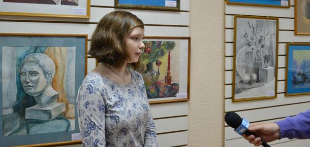 В печорской библиотеке состоялась презентация выставки творческих работ одаренных детей