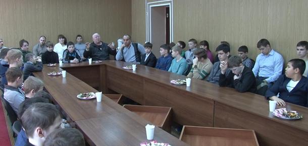И.о. главы администрации МР «Печора» Антон Ткаченко встретился со спортсменами-единоборцами