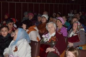 Концерт ко Дню Победы на сцене ДК поселка Каджером Печорского района