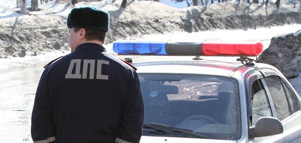 Сотрудники Госавтоинспекции г. Печора устанавливают очевидцев ДТП