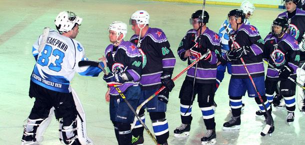 Один из своих лучших матчей в чемпионате Печоры по хоккею с шайбой провела в минувшую субботу команда «Ветераны»