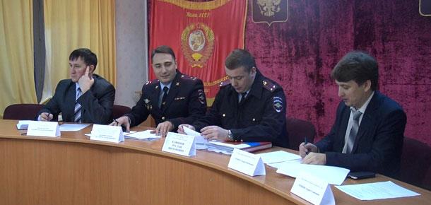 В ОМВД России по городу Печоре прошло подведение итогов оперативно-служебной деятельности за 2015 год