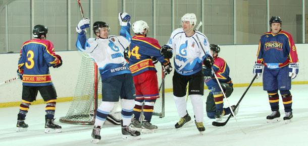 В Печоре стартовал отборочный турнир по хоккею с шайбой на кубок гендиректора ООО «Газпром трансгаз Ухта»