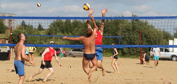 Праздник волейбола на печорском пляже
